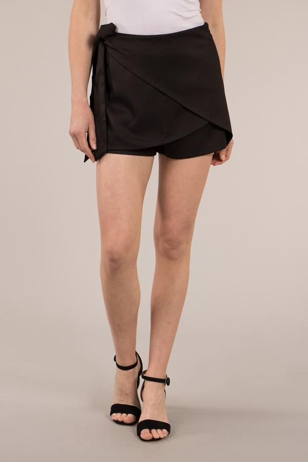 Cross Over Shorts