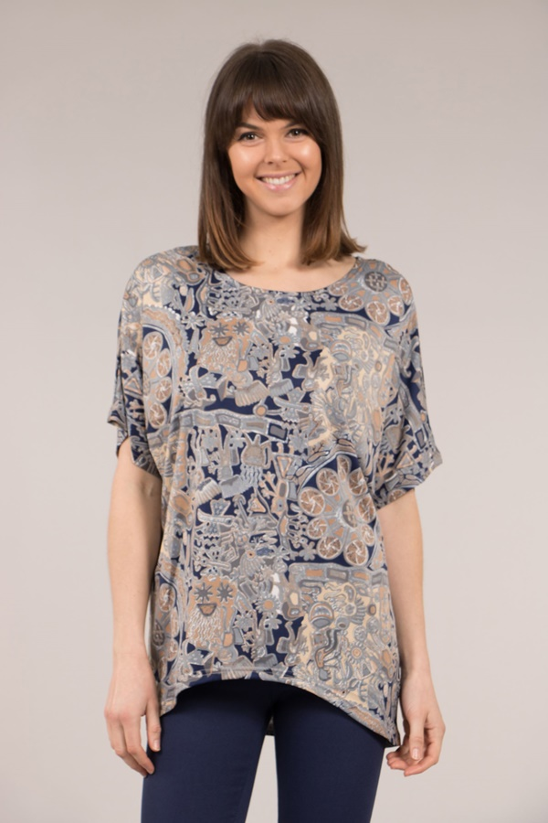 Curved Hem Printed Top
