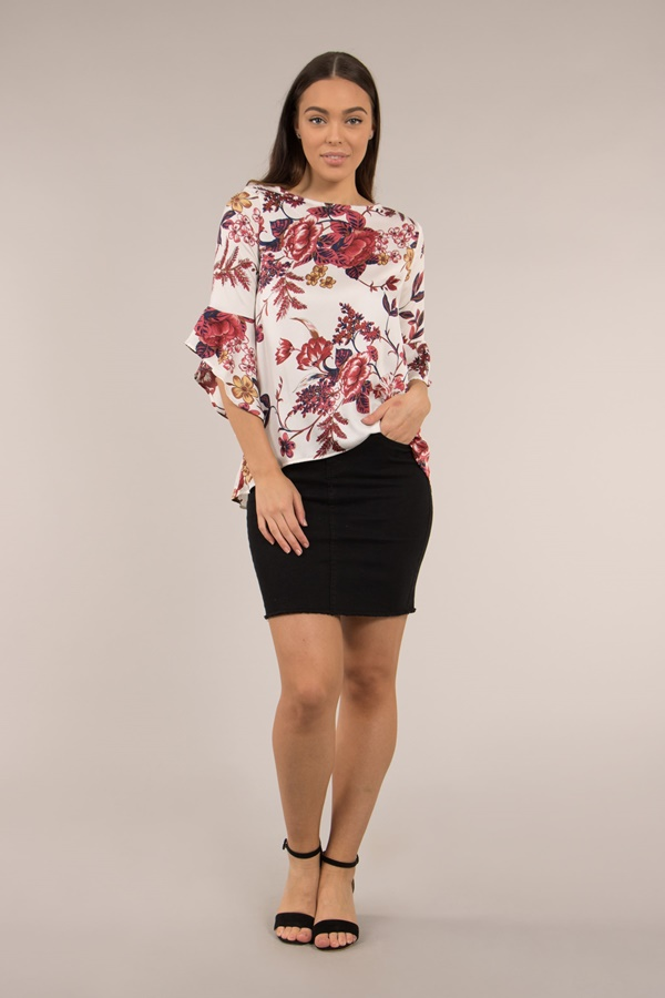 FLUTED SLEEVES FLORAL PRINT TOP