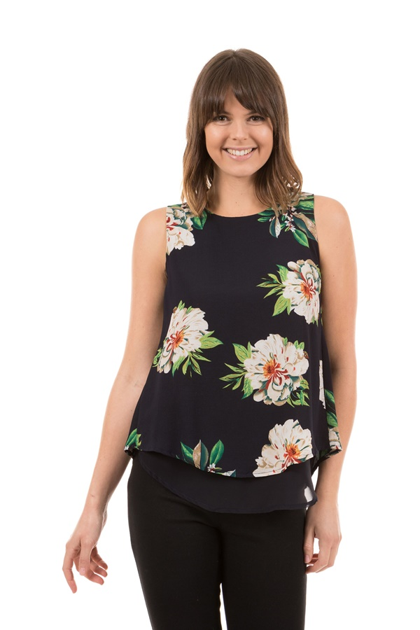 Back Slit Layer Top p